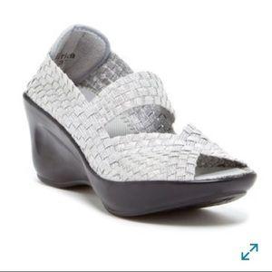 CC RESORTS Erica Silver Metallic Mary Jane Sandals